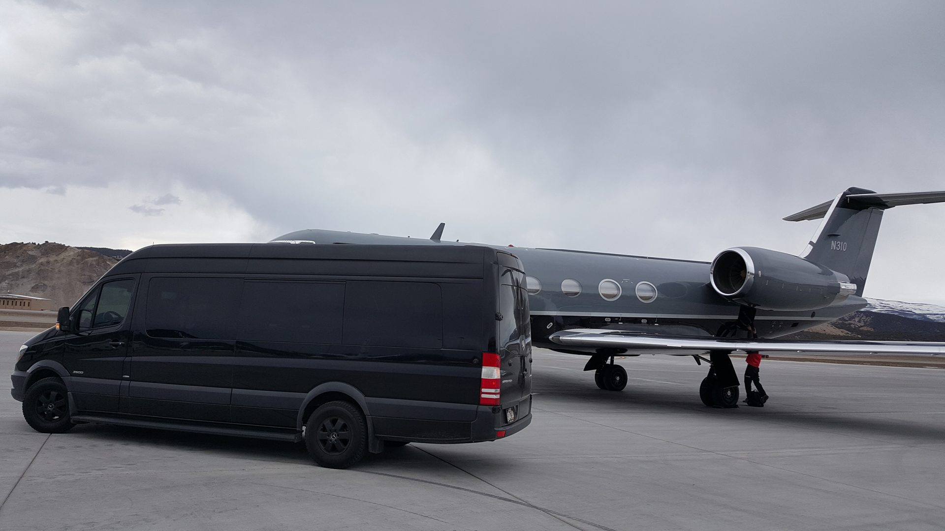 fbo private jet chauffeur